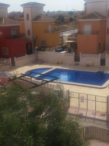Todo nuevo, y zona tranquila - Los Montesinos - Apartment