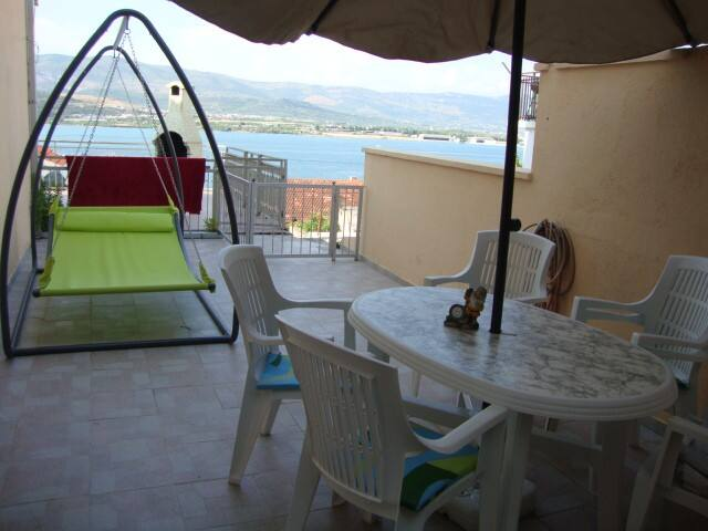 Sea view apartment near Trogir! - Mastrinka - Huoneisto