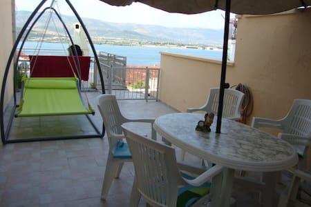 Sea view apartment near Trogir! - Mastrinka