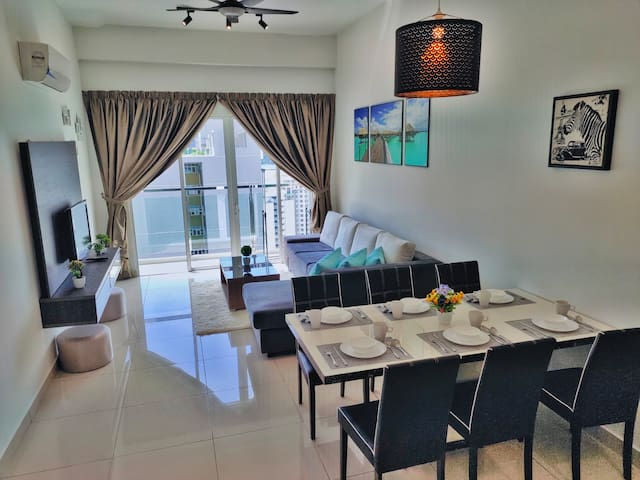★Newly Renovated★ 3~6 Pax, 3 Bedrooms, 3 Bathrooms