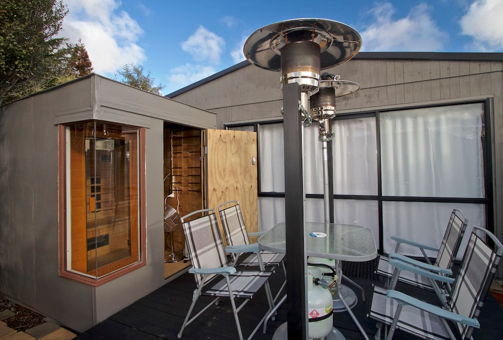 AL FRESCO DINING ON YOUR PRIVATE DECK