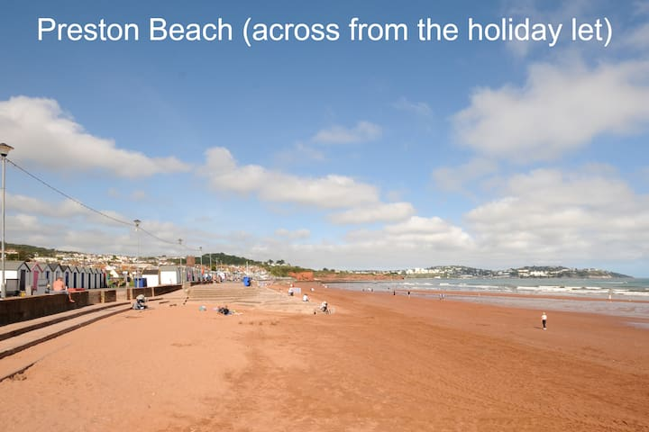 Spacious 2bed, G/F Family Apartment Beach Location
