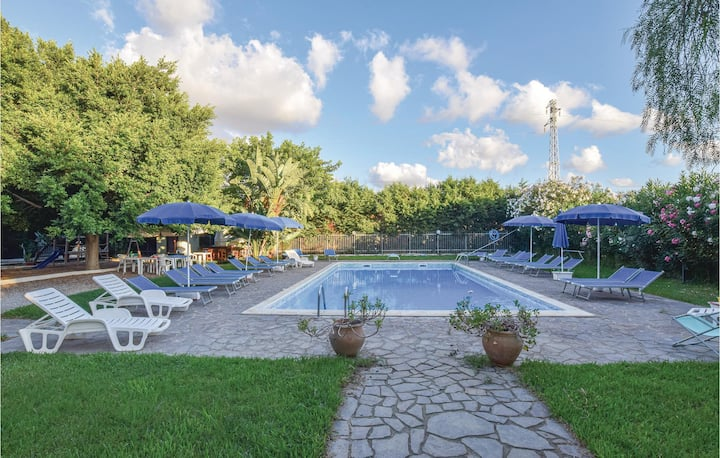 Nice home in Campofelice di Roccell with Outdoor swimming pool and 2 Bedrooms