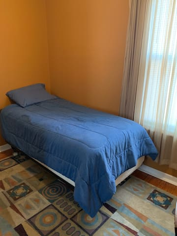 Female only, very nice apartment