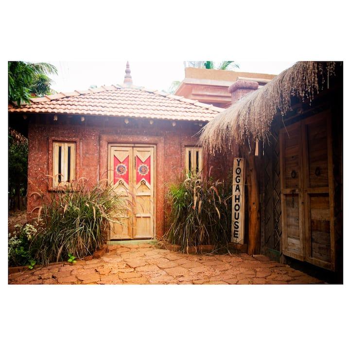 Morjim yoga house