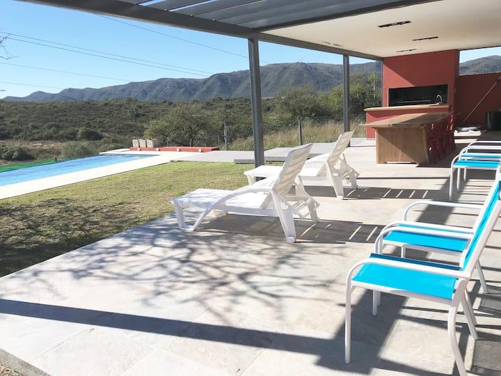 Casa 3 dormit 3 bños Country Tierralta -CARLOS PAZ