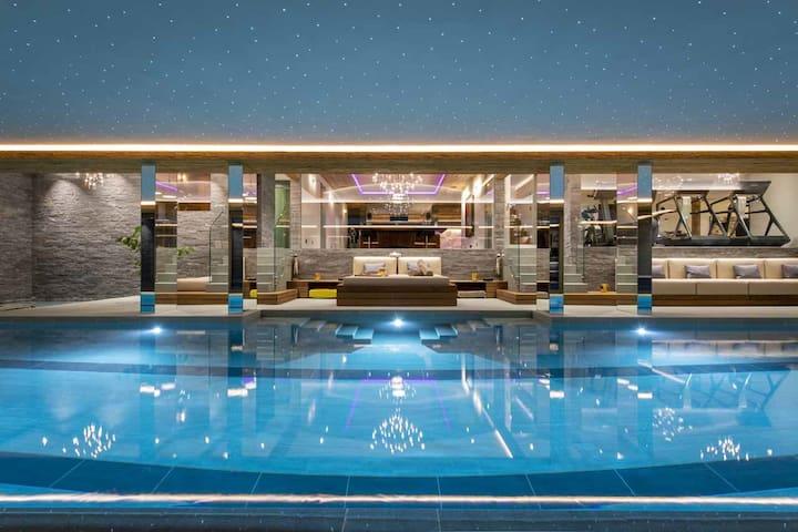 Prestigious chalet with stunning spa/entertainment