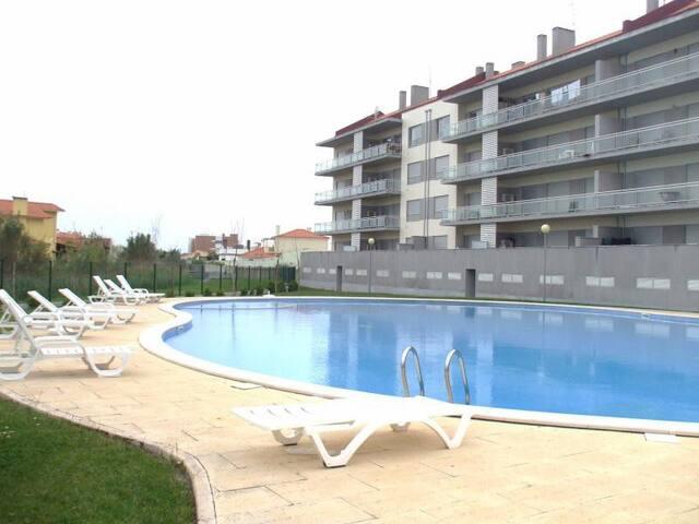 Apartamento T3 C/ Piscina até 7 Pax - São Martinho do Porto - Leilighet