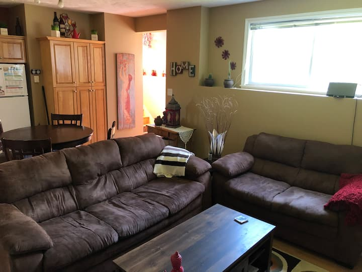 Cozy,clean apartment in quiet neighborhood- Dieppe