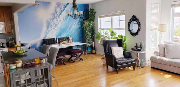 Surf Beach: Large Prvt Room + Rooftop + Bch Gear