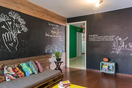 Casa Astral - Quarto Amarelo - Recife - Pis
