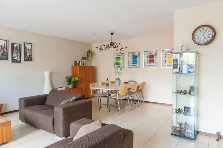 Spacious apartment near the center of Eindhoven.