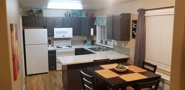 Cute Updated top unit of duplex close to BYUI!