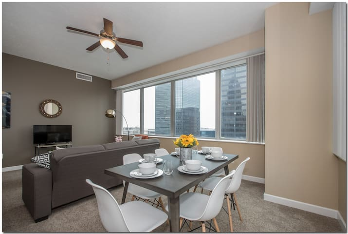 City View 2 BR in Heart of Downtown Cleveland