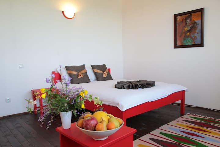 Deluxe double bedroom with extra bed