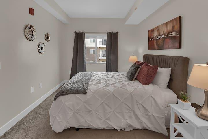Comfortable Queen Bed in 2nd Bedroom