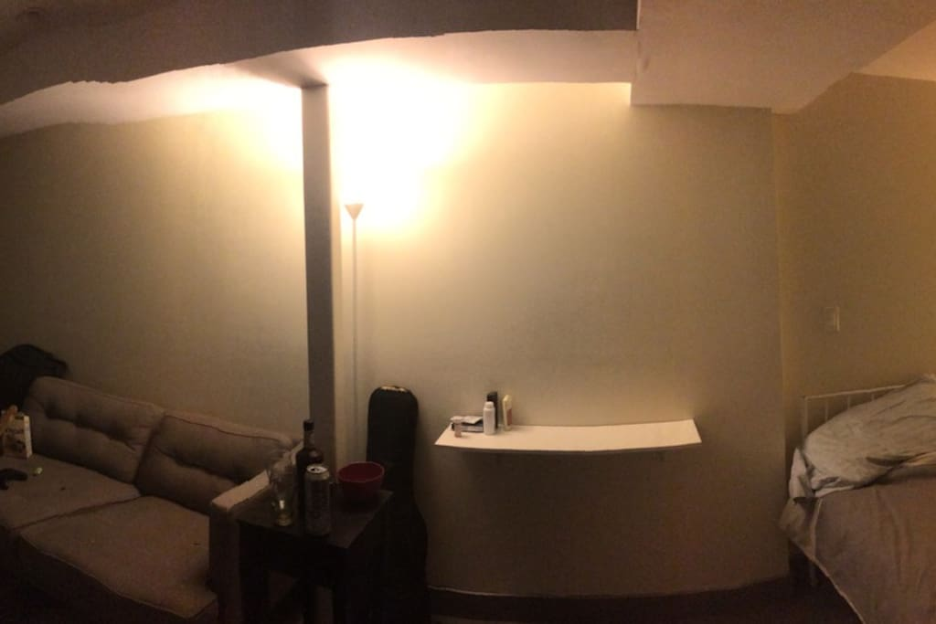 Panorama photo to gauge the immense size of the room