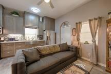 Living area w/queen sleeper sofa