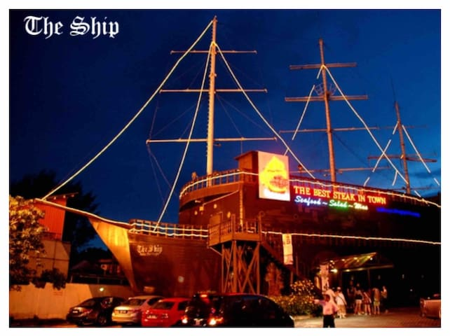 5 min walk to the giant ship steak house