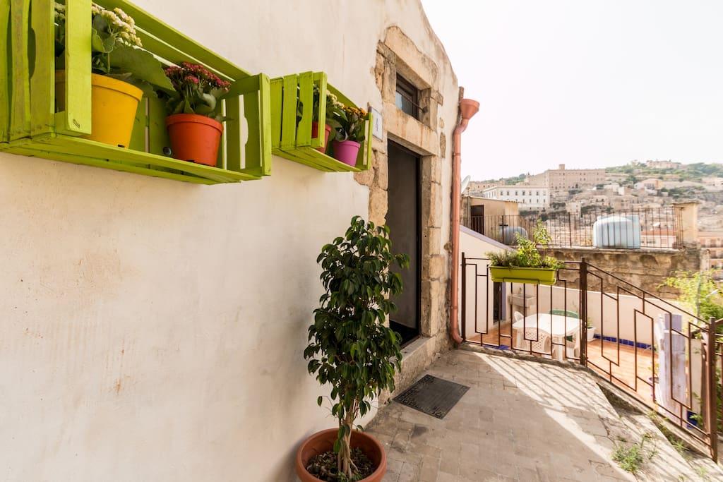 Casa san paolo case in affitto a modica sicilia italia for Case in affitto a modica arredate