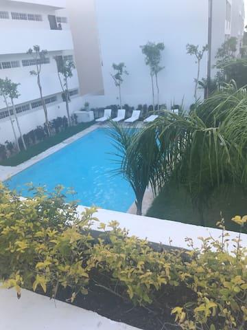 Alberca de Casa Club vista desde el balcón de la terraza