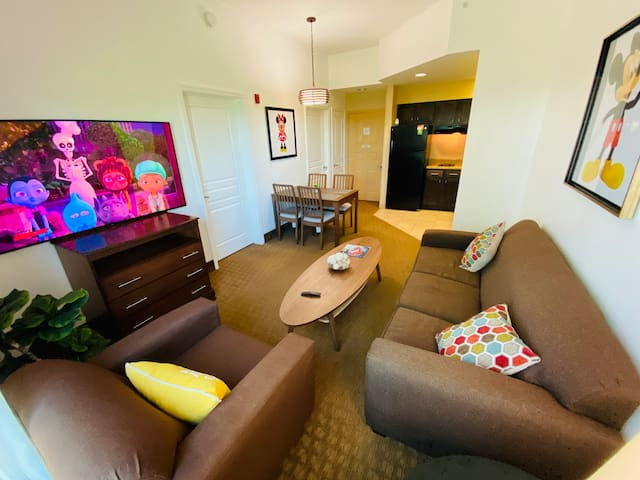 Apartment FullyRenovated Best Location for Disney!
