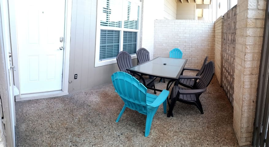 Prime Location for Exploring Austin - 2 Bedroom