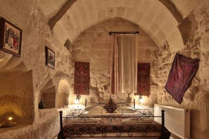 Caravanserai Double Cave Room 104