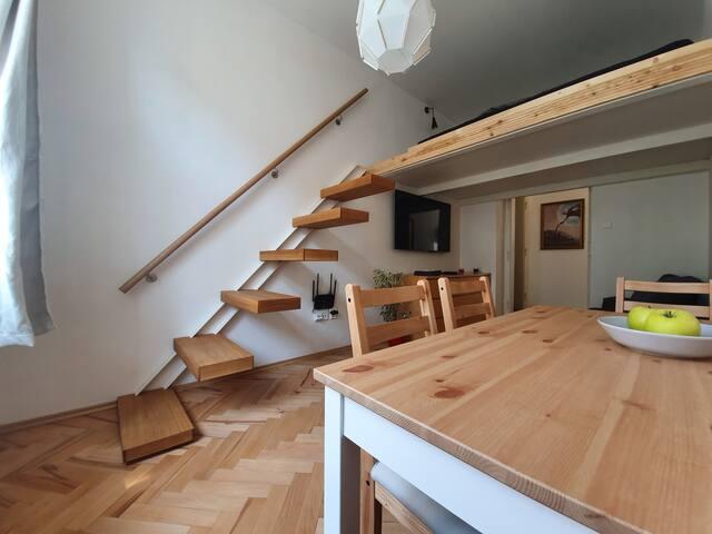 Holečkova sunny loft apartment