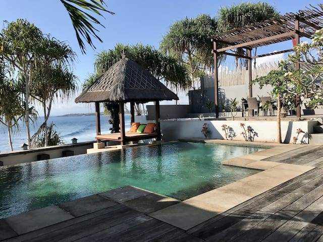 Our favourite spot is the restful bale (Balinese gazebo)! A great spot for an afternoon siesta - caressed by a cool breeze and the sounds from the ocean.