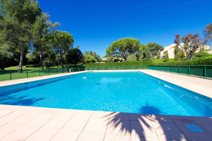 Apartment with garden in Beautiful Domain, Mougins
