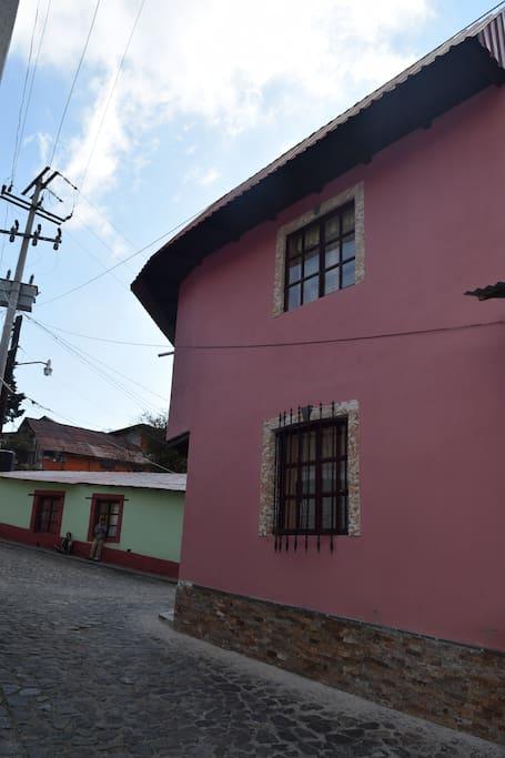 Vista lateral fachada.