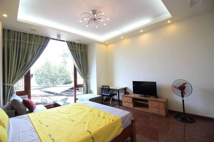 ❄Big room with large window TV Sofa