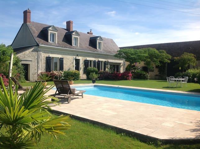 Proche LE MANS et Circuit, Maison avec piscine