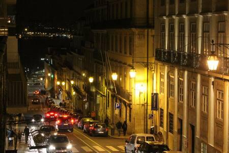 Big room & private balcony • Central area - Lisboa - Wohnung