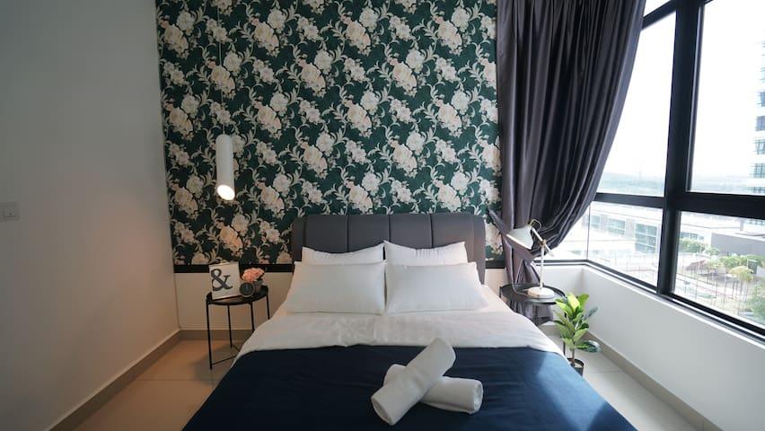 IOI Resort City Putrajaya 4Pax 2R2B IconStay
