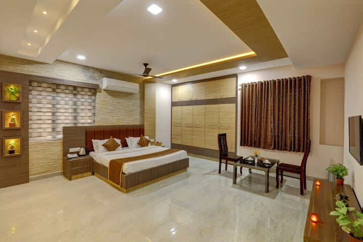 Premium air conditioned water front room