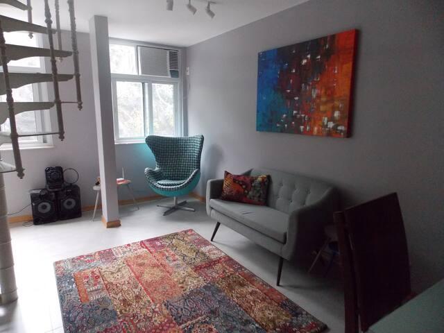 Sala do primeiro andar, perspectiva da cozinha
