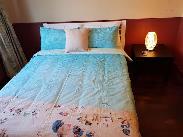2 Bedroom Fullhouse nearPerth  &Airport Sleeps 4