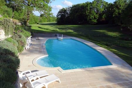 Tres beau gite (75m²) avec piscine - Issigeac