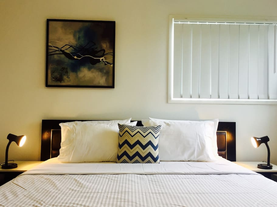 Main bedroom (with ensuite) - king bed (2 x single beds)