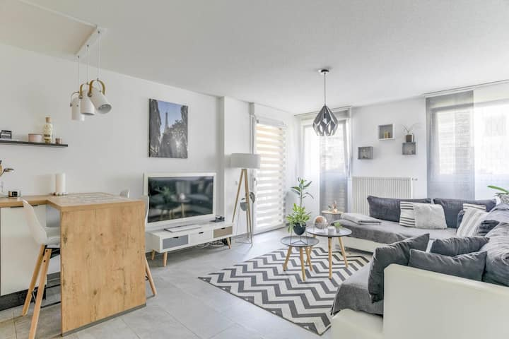 Modern 48 m2 apartment with large terrace