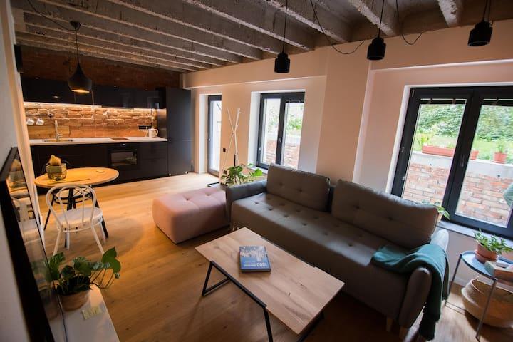 NEW Studio apartment on Grosslingova St.
