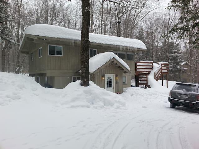 4BR Chalet Btwn Mt. Snow & Stratton - Wardsboro - Casa