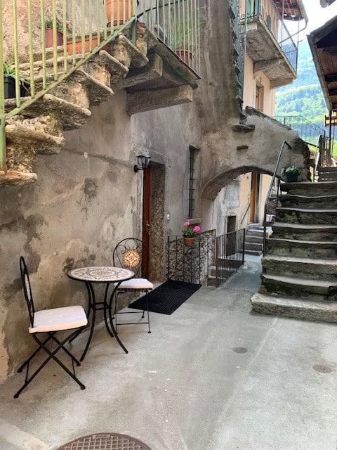 Casa Carmen (Appartamento in casa tipica ticinese)