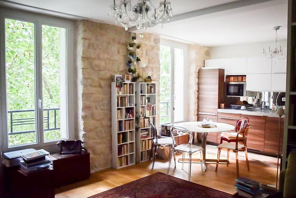 spacieux studio paris montparnasse appartements louer paris le de france france. Black Bedroom Furniture Sets. Home Design Ideas