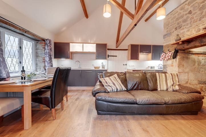 A former keepers cottage set in 100 acres with onsite spa