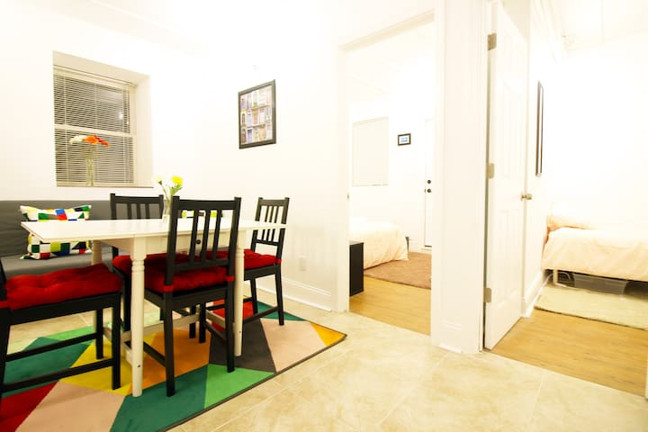 Cheerful & Practical Garden Apartment Near Subway