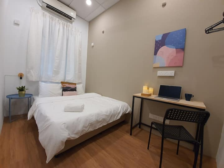 Room4U (Double Room) @ Burmah Rd, Georgetown