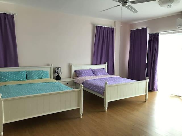 Deluxe Double Queen Bedroom+Bathroom 超大豪华两张大床房带浴室 - Subok - House